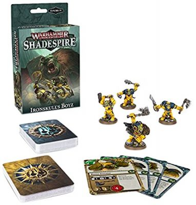 Introduce a new and unique war band to your games of Warhammer Underworlds: Shade spire and take advantage of new and different ways to play - whatever war band you use - with this set of miniatures and cards. It includes 4 Orruk miniatures and a deck of 60 cards, 30 of which are universal, to be used by any and every war band - add these cards to your arsenal and build your perfect deck. Included:- 4 Easy To Build, green-coloured plastic Orruk miniatures: Basha, Hakka, Bonekutta and Gurzag Iron skull;- 60 unique cards for use in games of Warhammer Underworlds: Shade spire, broken down as follows:- 9 objective cards for Iron skull's Boys;- 10 upgrade cards for Iron skull's Boys;- 10 ploys for Iron skull's Boys;- 11 universal objectives, for use with any Warhammer Underworlds war band;- 10 universal upgrades, for use with any Warhammer Underworlds war band;- 10 universal ploys, for use with any Warhammer Underworlds war band.
